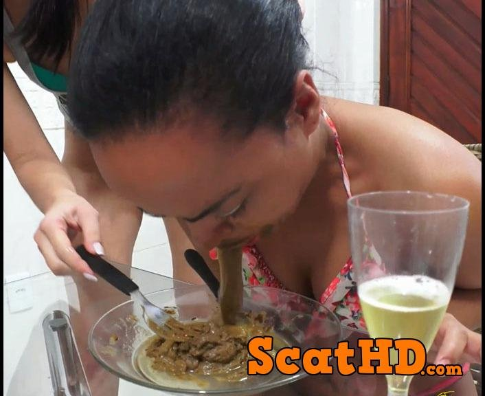 Silvia - Swallow our scat lunch [FullHD 1080p]