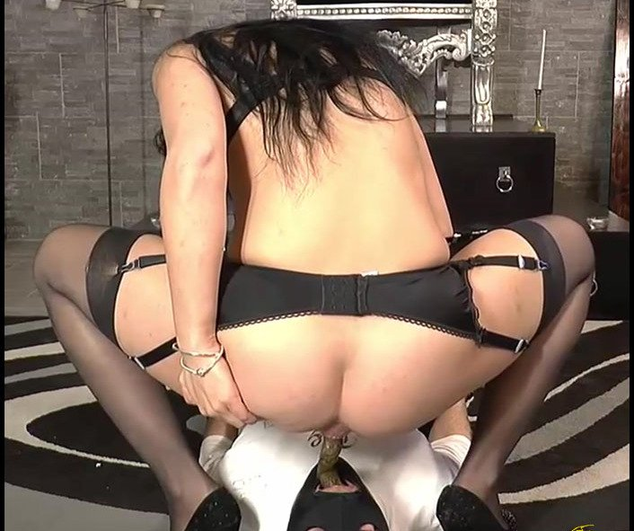 MISTRESS GAIA - SCAT HORS DOEUVRE [FullHD 1080p]