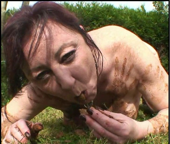 Chienne Mary - Outdoor Toilet Slut – French Scat Slut [HD 720p]