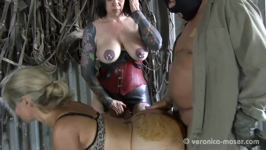 Veronika, Molly - Slut Farm [SD]