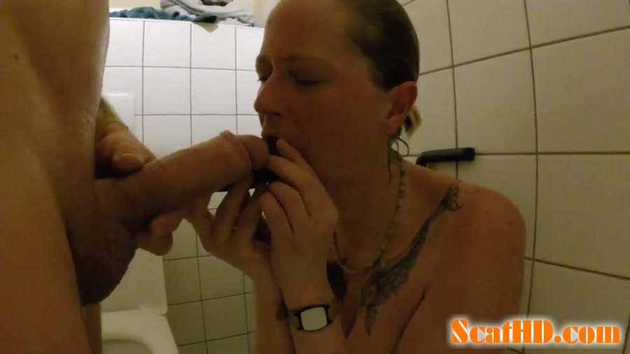 ScatSusan - Shit snack on the sauna loo [FullHD 1080p]