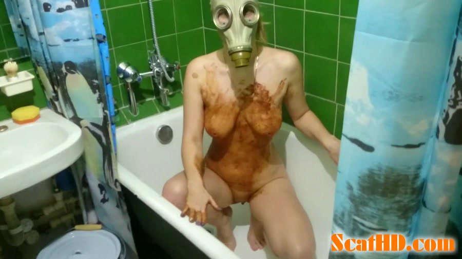 Brown Wife - Smearing shit in a gas mask [FullHD 1080p]