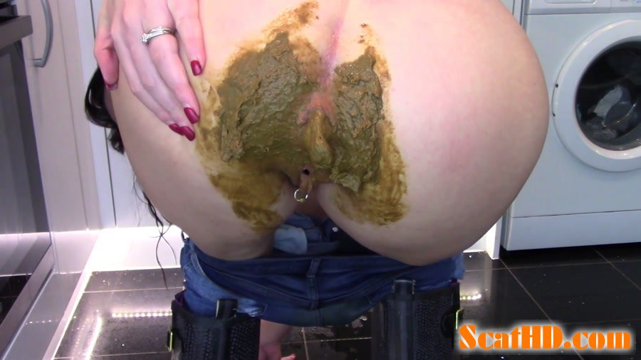 Evamarie88 - Filling And Smearing My Jeans With Shit [FullHD 1080p]
