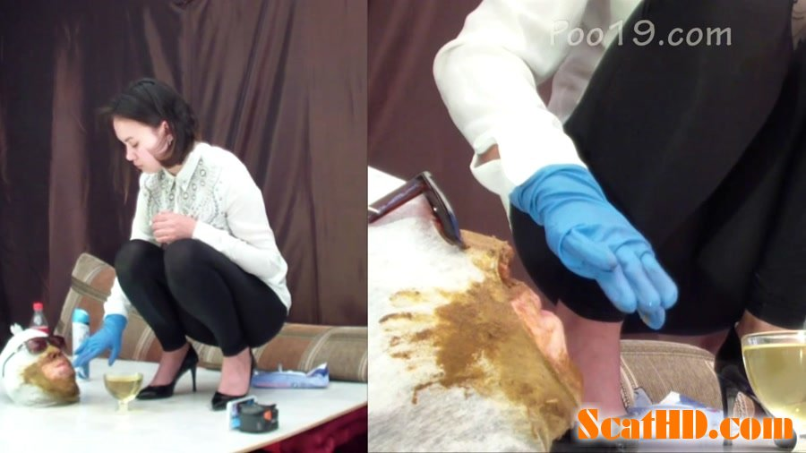 Smelly Milana - 3 girls used the toilet slave [FullHD 1080p]