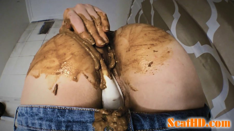DirtyBetty - Panty pooping after laxative and cum [FullHD 1080p]
