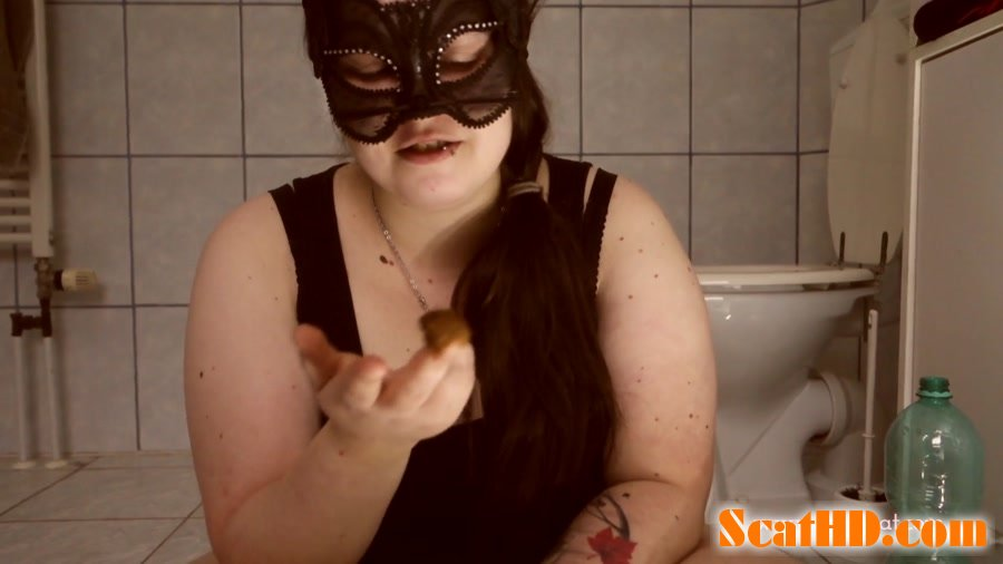 LucyScat - First time swallowing soft poo [FullHD 1080p]