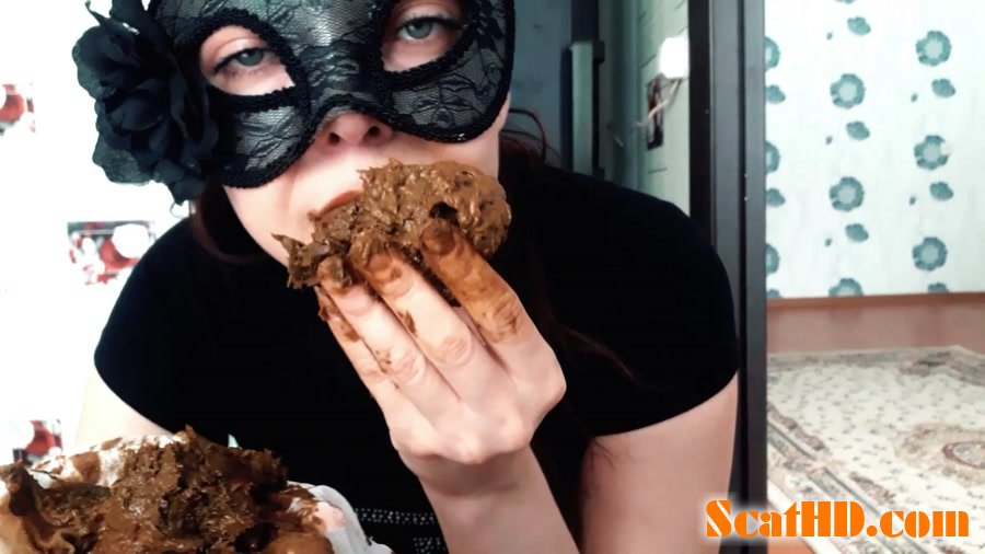 ScatLina - Eating shit out of white pantyhose [FullHD 1080p]