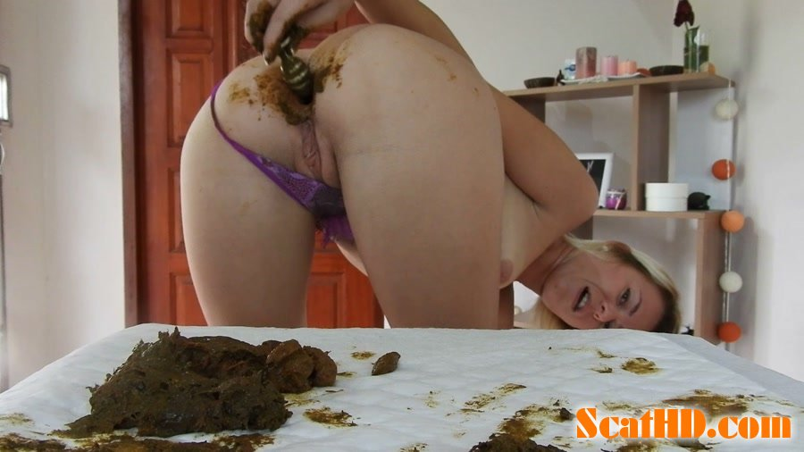 MissAnja - Shitty, Dirty Butt Plug Fun In Gstring Farting [FullHD 1080p]
