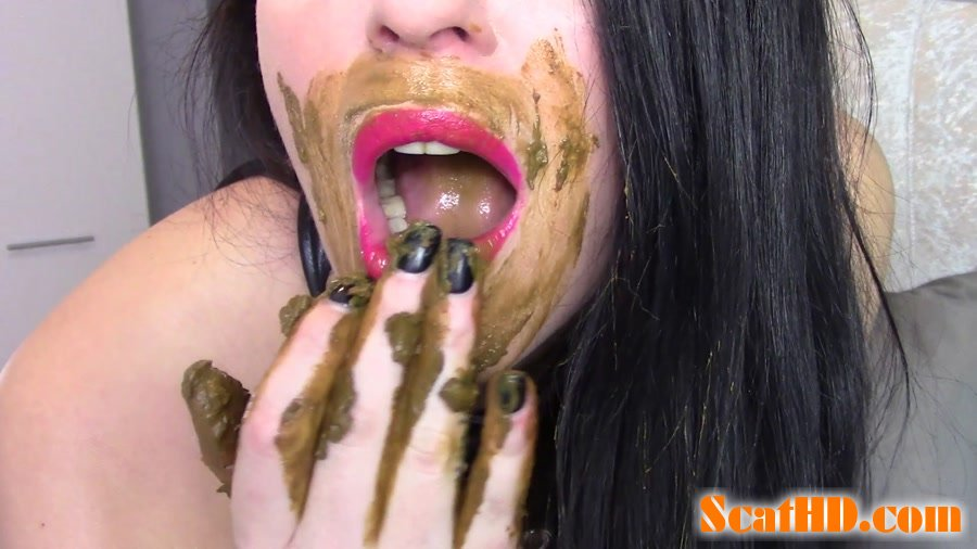 evamarie88 - Fuck My Shitty Pussy With My Mouth Smeared With Shit [FullHD 1080p]