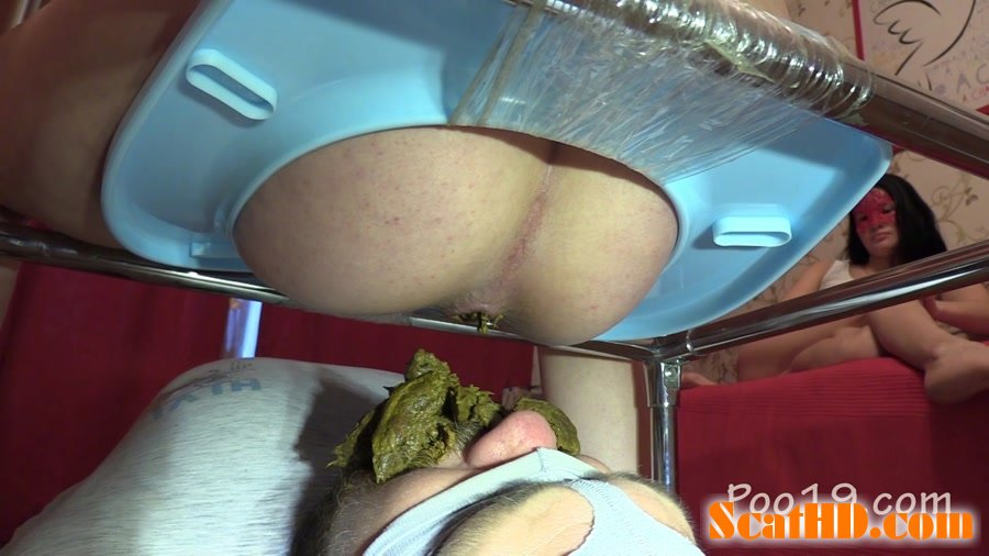 MilanaSmelly - Female farting's smell is my food's smell [FullHD 720p]