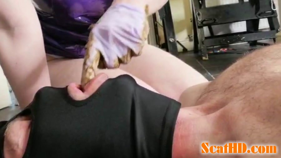 Hayley-x-x - crapping on him and smearing [FullHD 1080p]