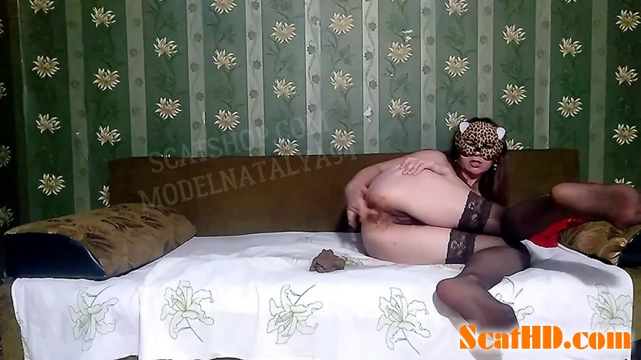 Olga - Fucks and masturbates on the bed [FullHD 1080p]