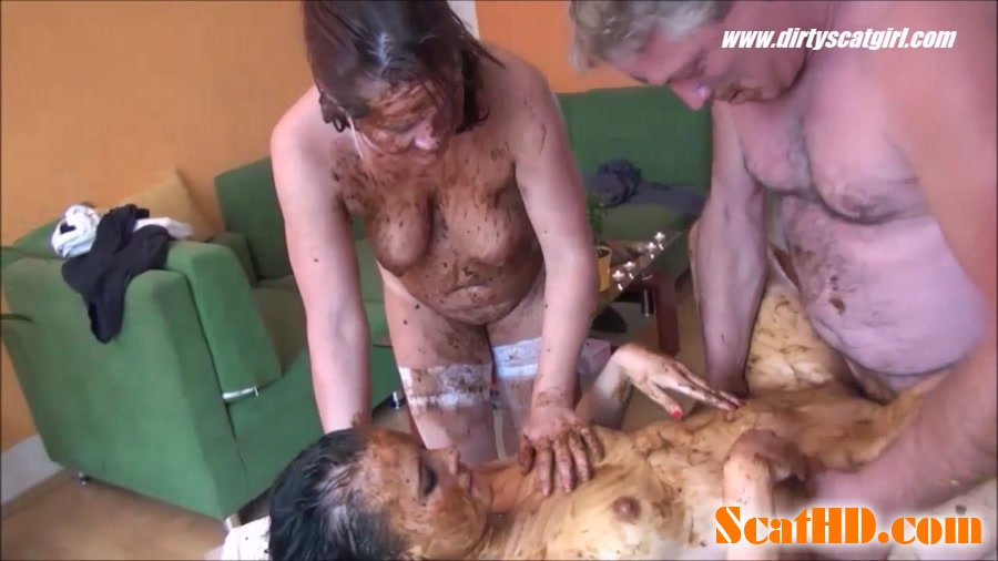 Betty, Victoria - Massage Scat Parlour 2 [HD 720p]
